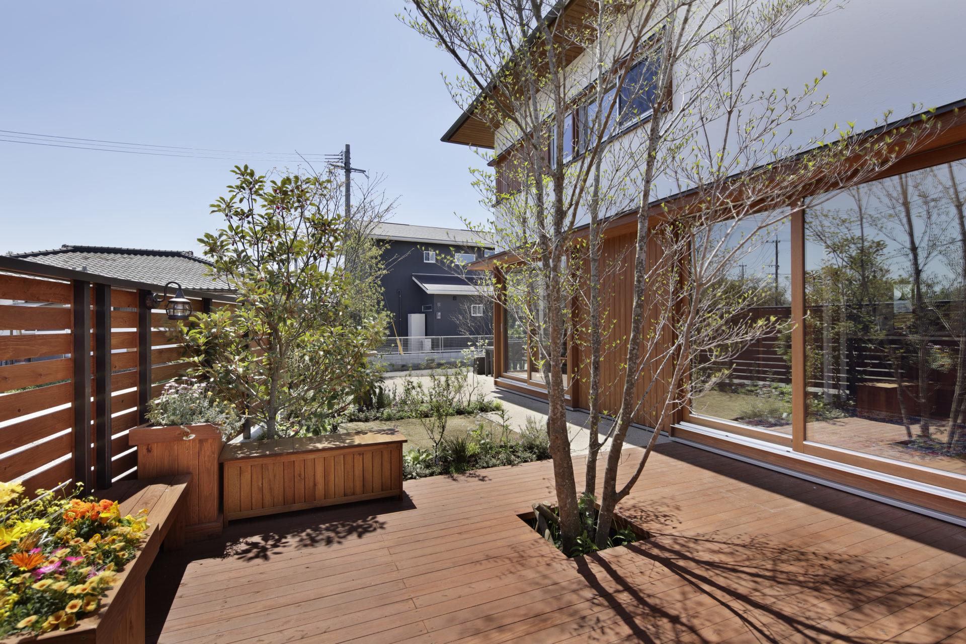 3. 中庭が生み出す自由なプライベートな空間