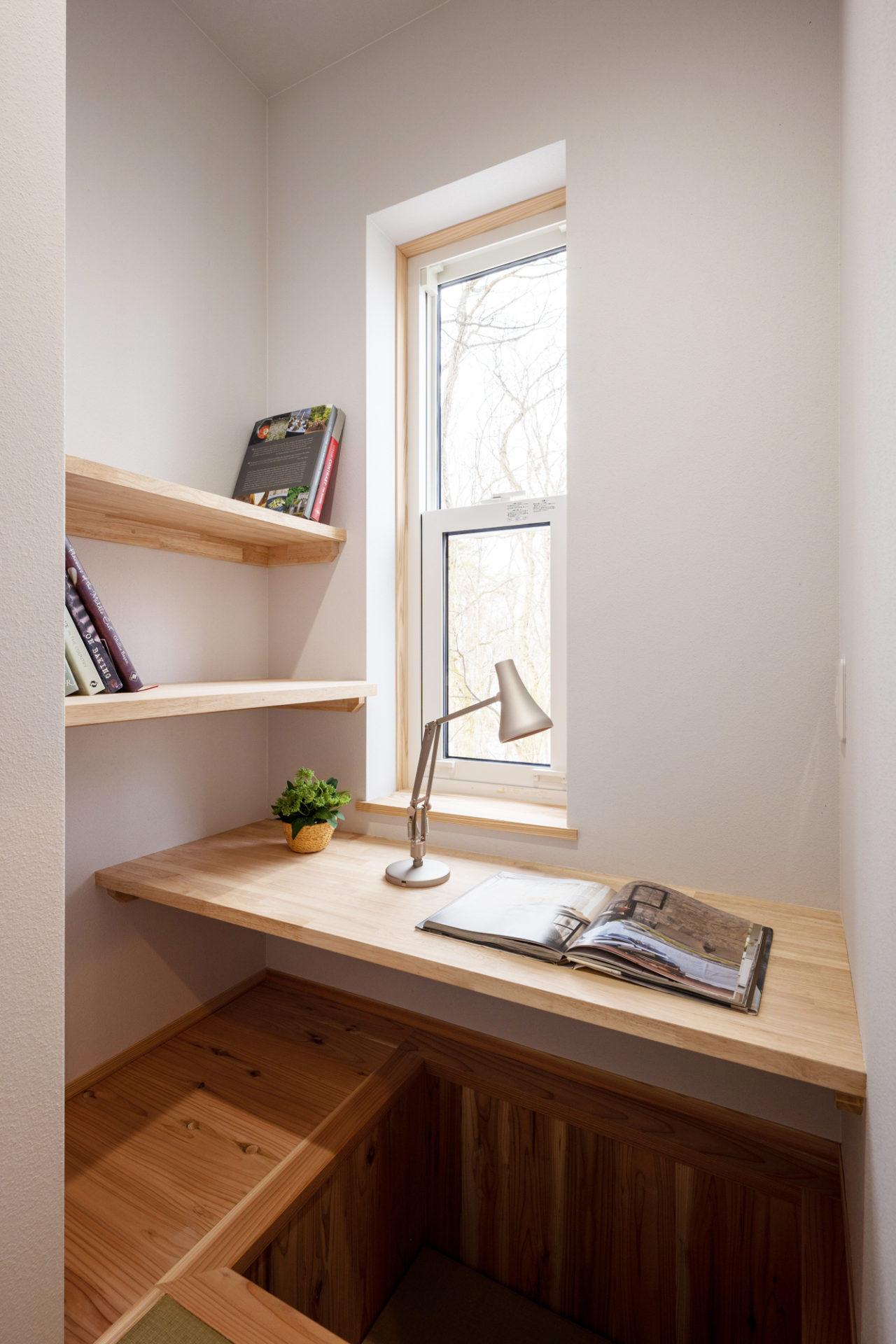 コンパクトな場所にも書斎は作れる!